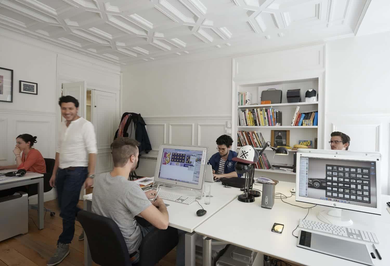 Décor staff pour plafonds de bureau