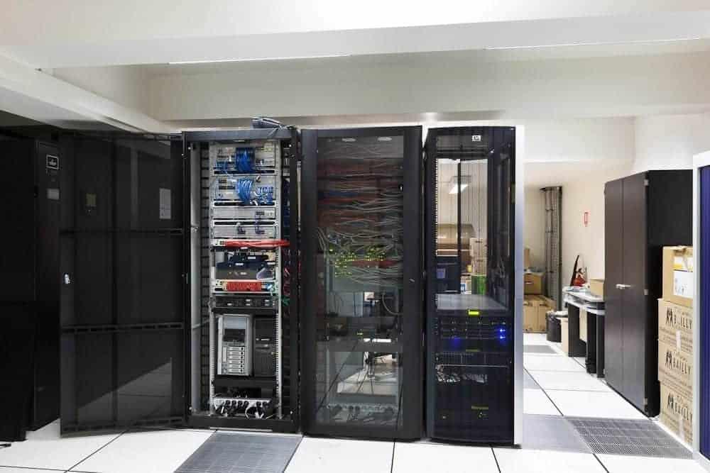 Fourniture rack salle informatique