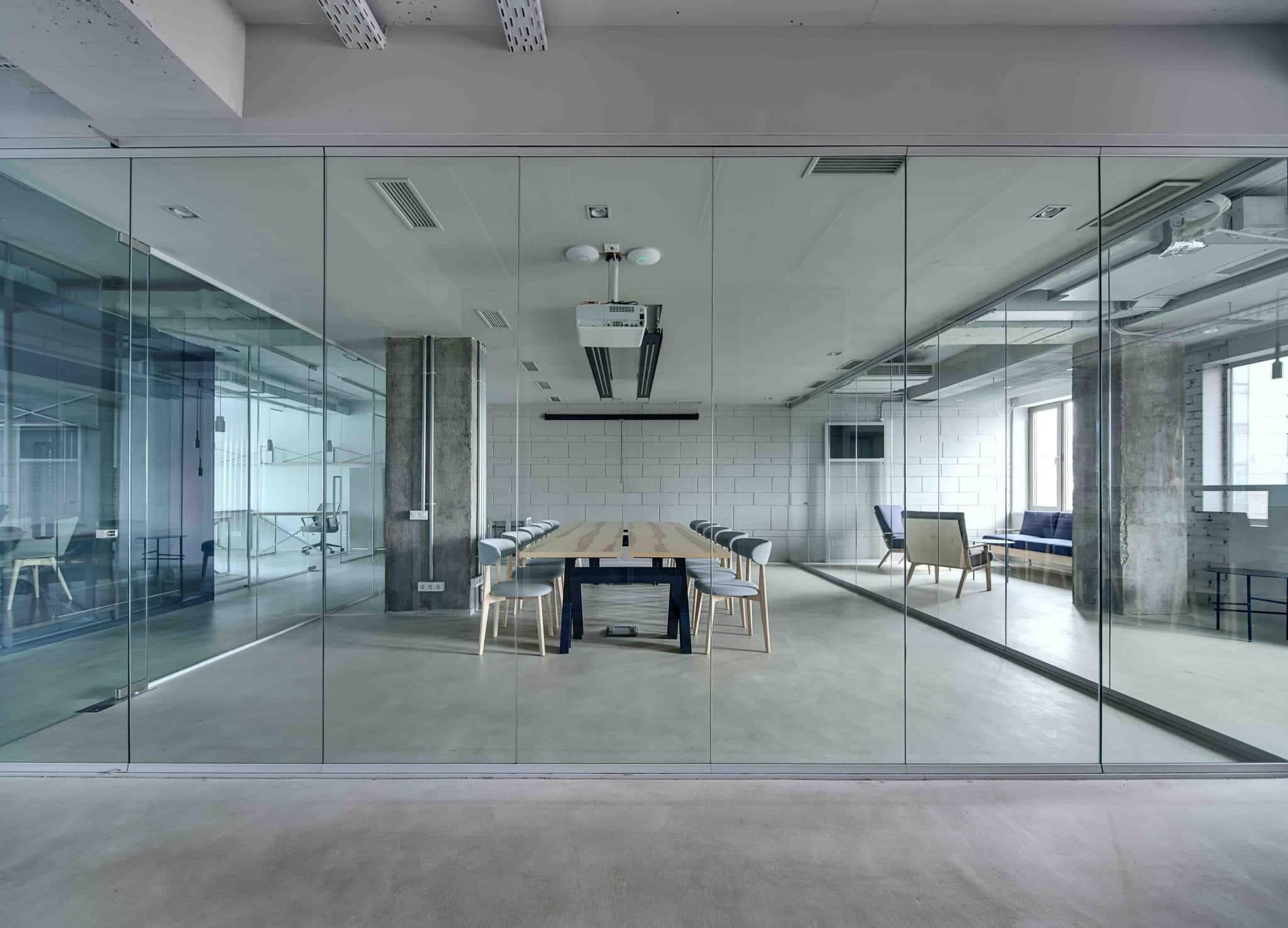 Cloison vitree amovible pour bureaux
