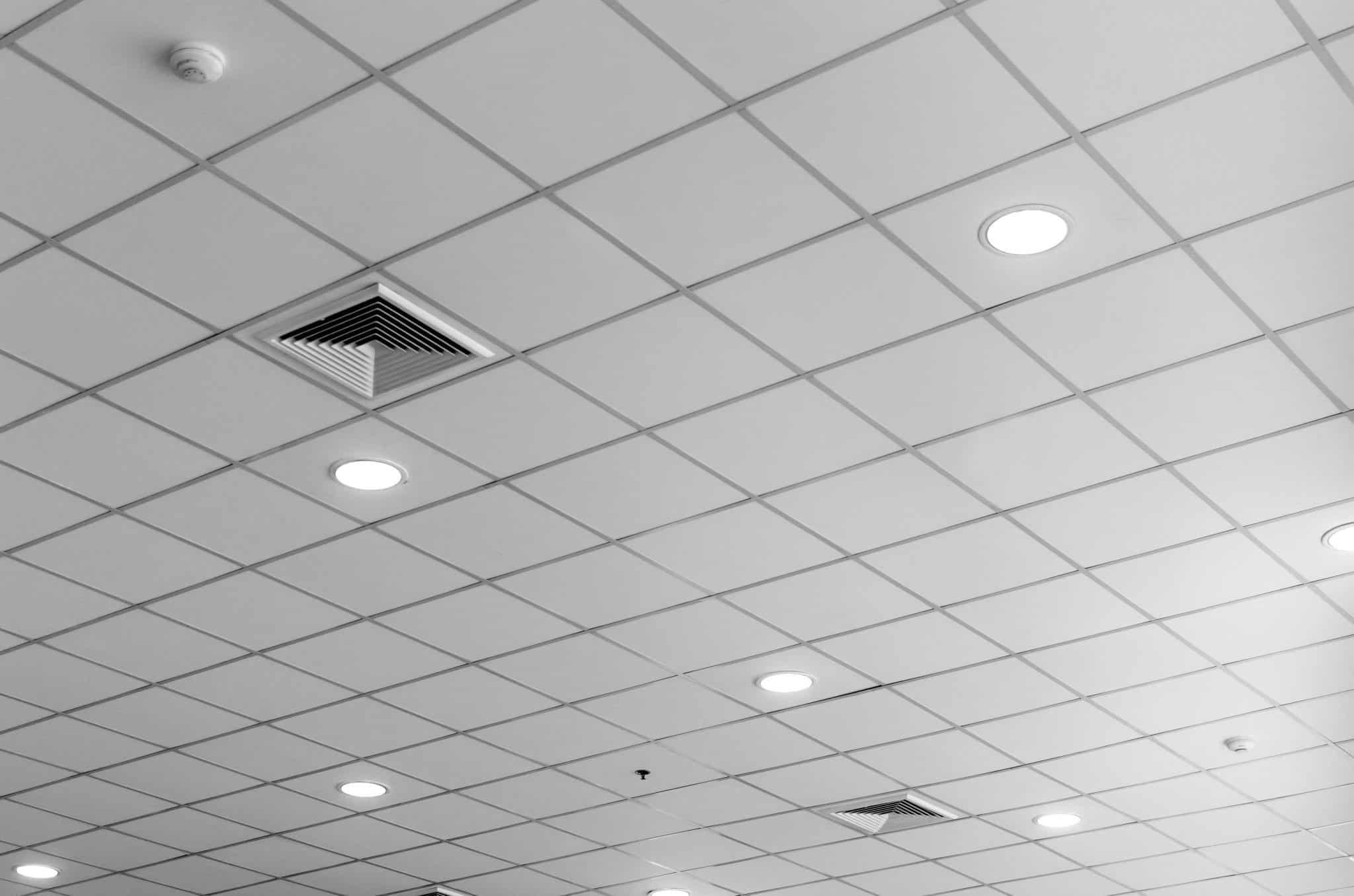 Installation dalles de plafond armstrong
