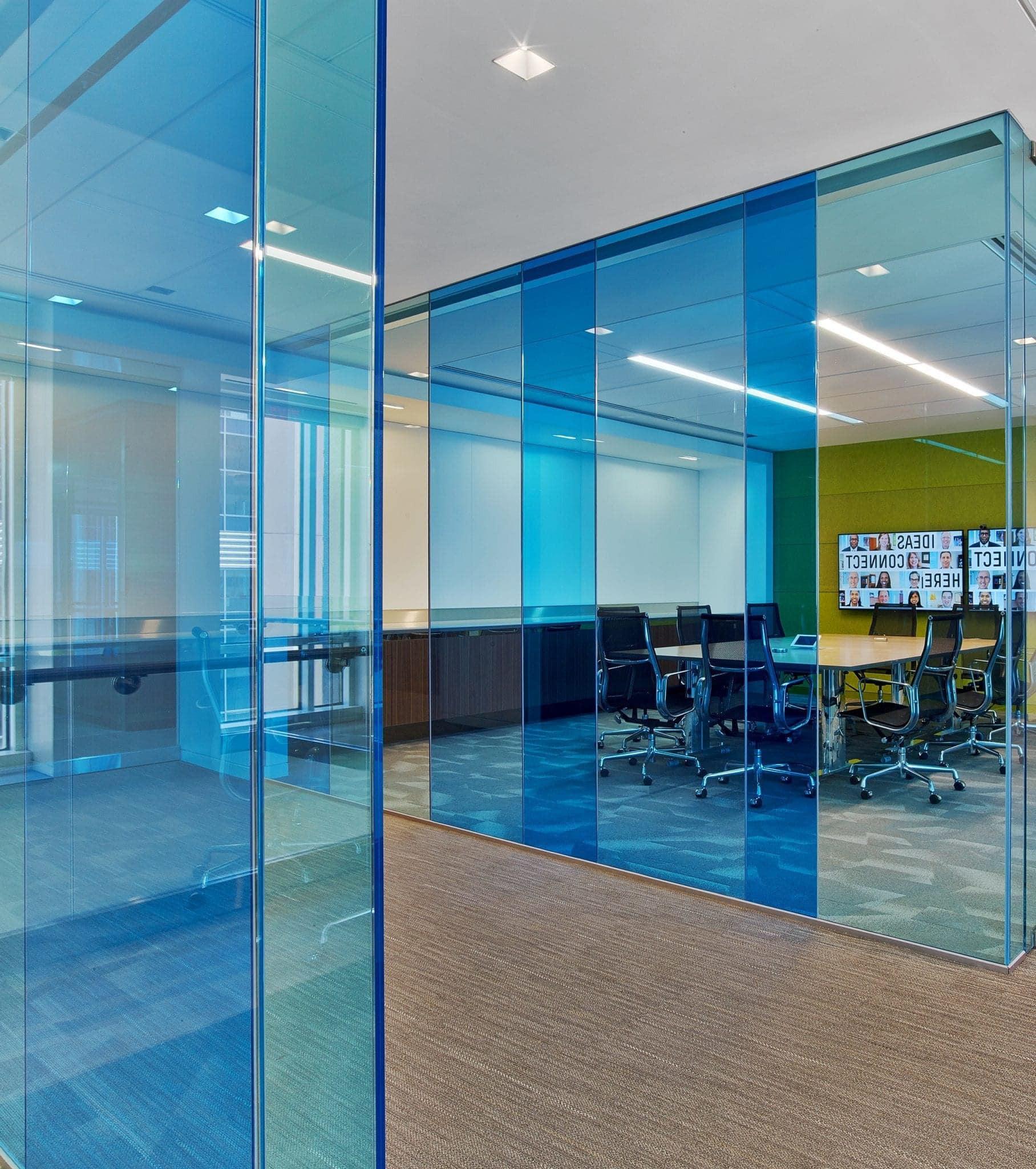 Cloison verre coloré pour bureaux