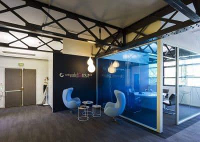 Aménagement d'un plateau de bureau style industriel
